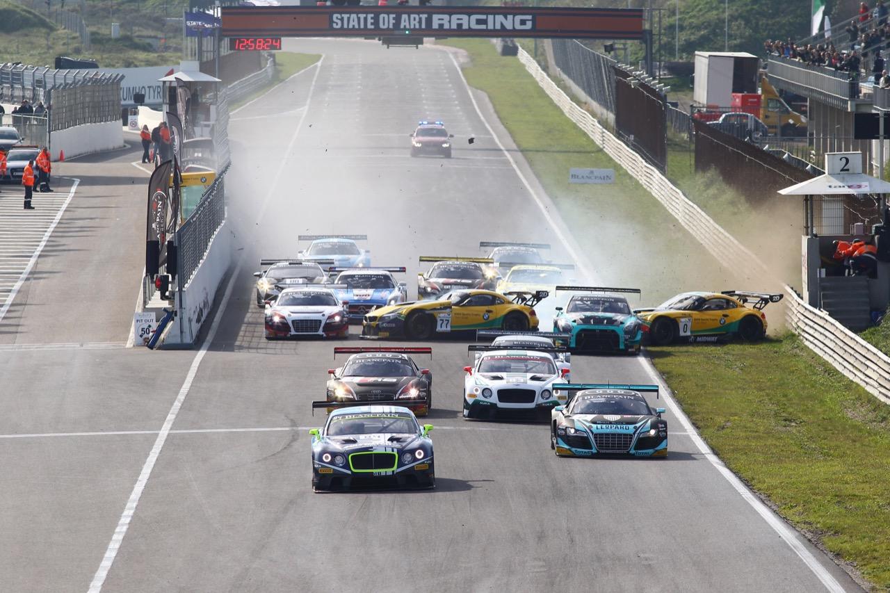 11.10.2015 -  Race 2, Start of the race