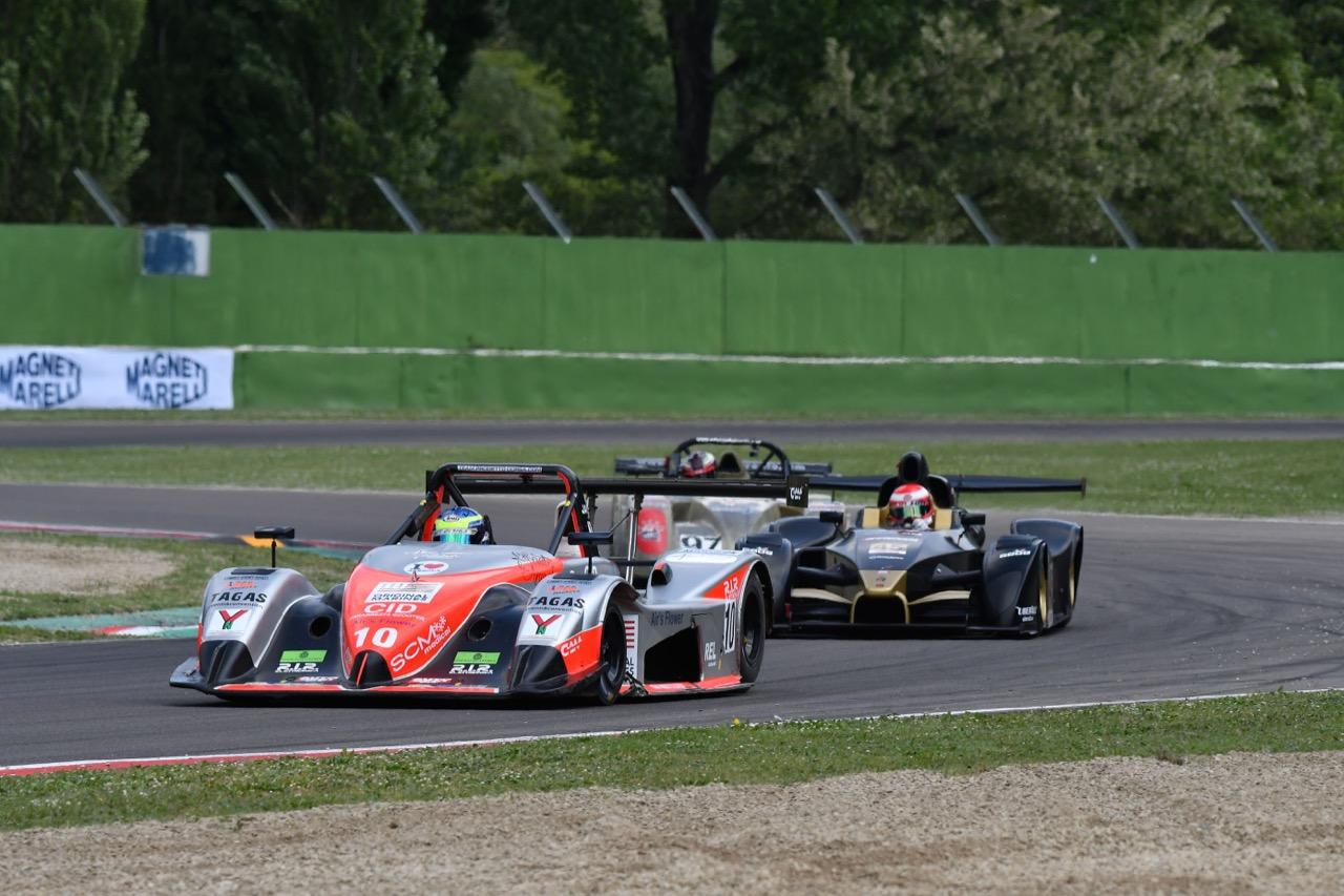 Marco Jacoboni ( Osella-PA21 Evo-CN2 #10), Ivan Bellarosa (Avelon Formula,Wolf GB 08 Evo-CNT #45)