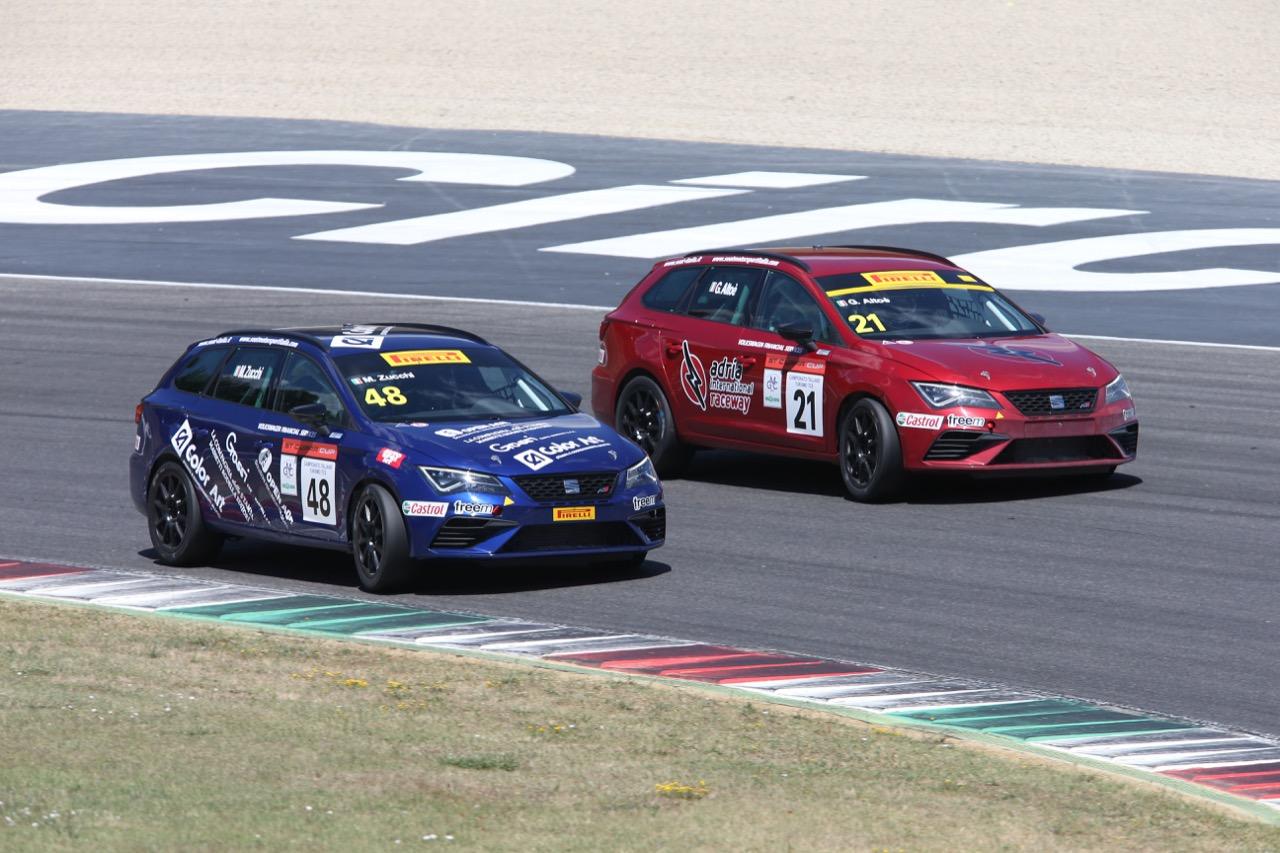 Giacomo Altoè (Seat Motor Sport Italia,Seat Leon Cupra ST-TCS2.0 #21), Matteo Zucchi (Seat Motor Sport Italia,Seat Leon Cupra ST-TCS2.0 #48)