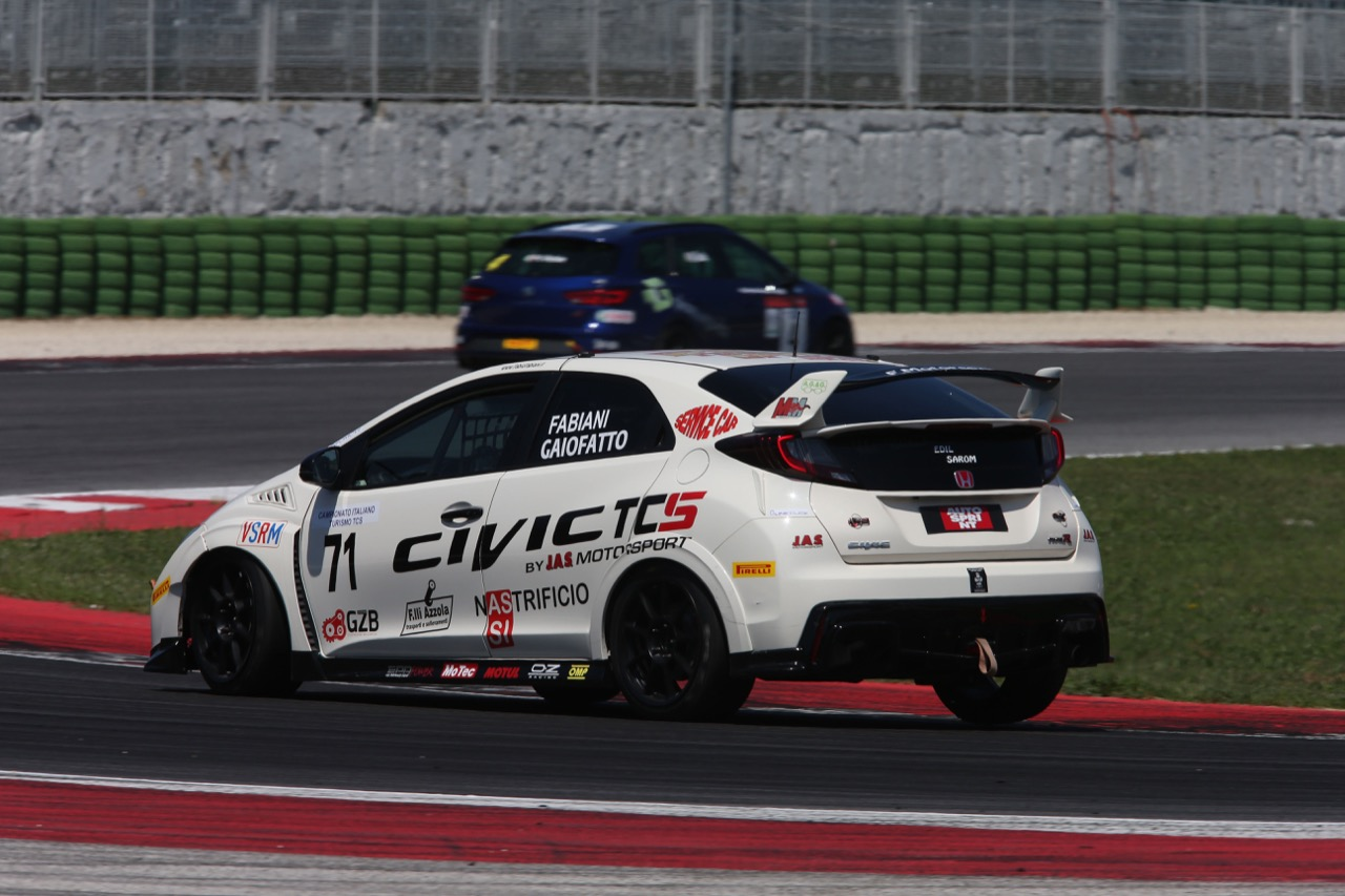Fabiani-Gaiofatto (MM Motorsport,Civic Type R-TCS2.0 #71)