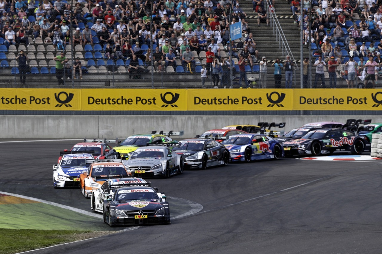 Start Race 2: Robert Wickens (CAN) - Mercedes-AMG C 63 DTM Mercedes-AMG Motorsport Mercedes me 21.05.2017