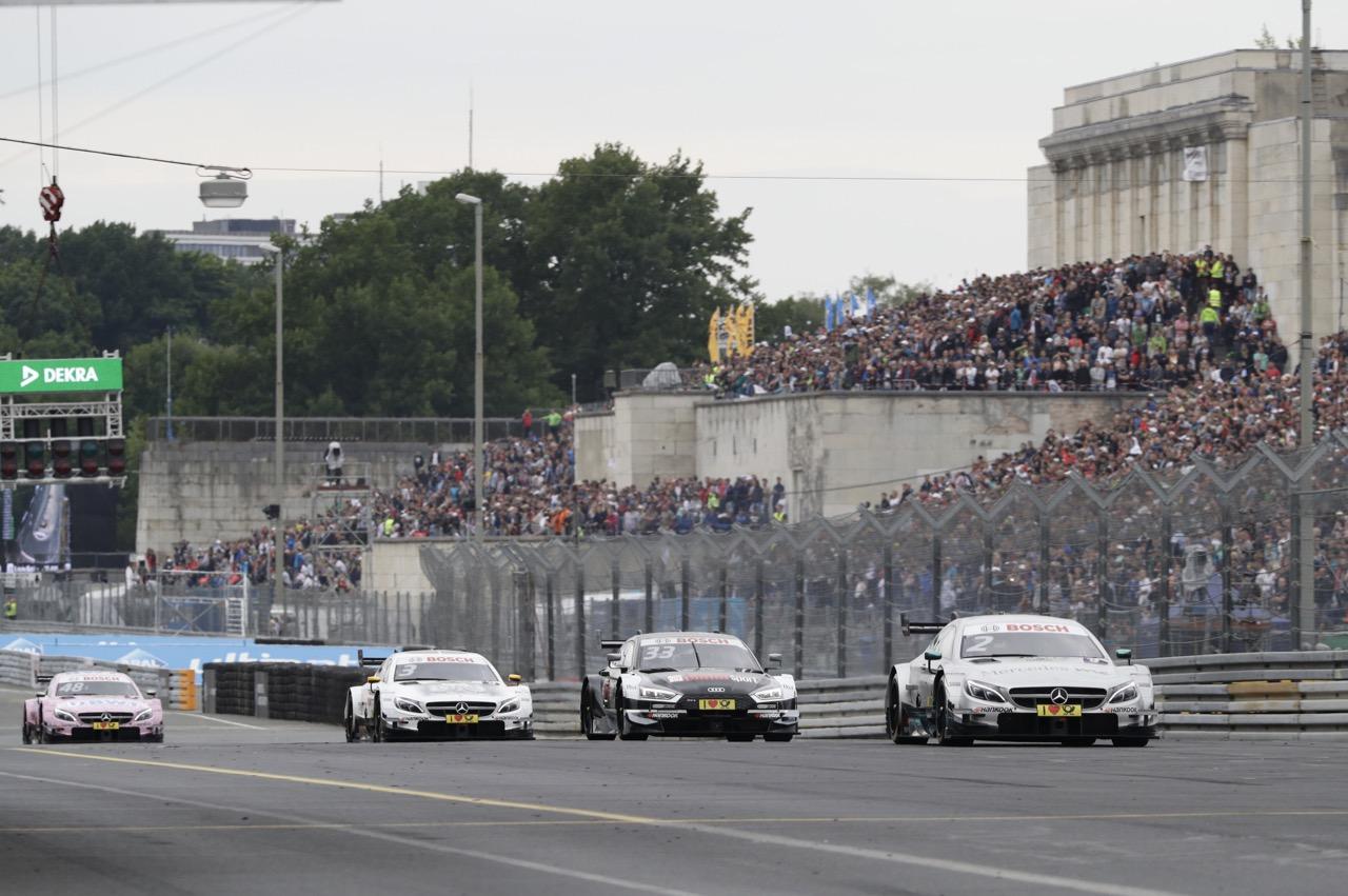 Gary Paffett (GBR) - Mercedes-AMG C63 DTM Mercedes-AMG Motorsport Mercedes me 02.07.2017