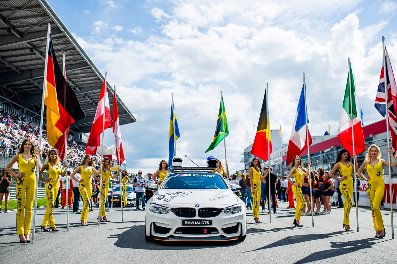 DTM safety car and grid girls 22.07.2017