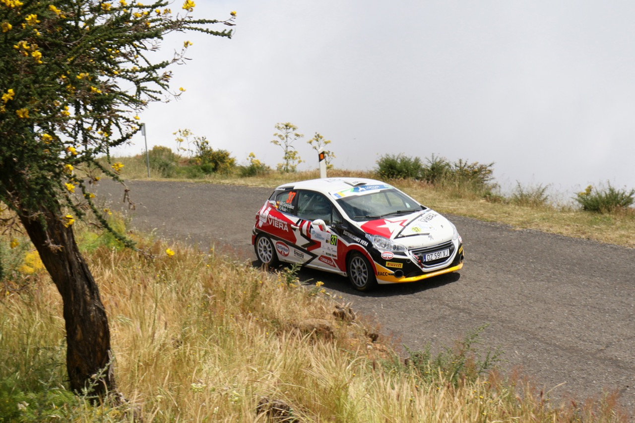 05.05.2017 - Marcos González Espino (ESP) - Raquel Ruiz Arias (ESP) Peugeot 208 VTi R2, GC Motorsport