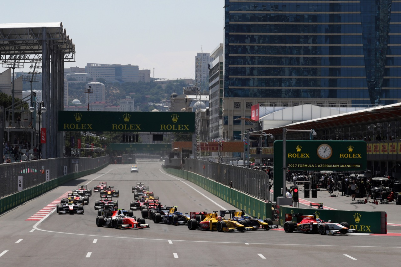 25.06.2017 - Race 2, Start of the race