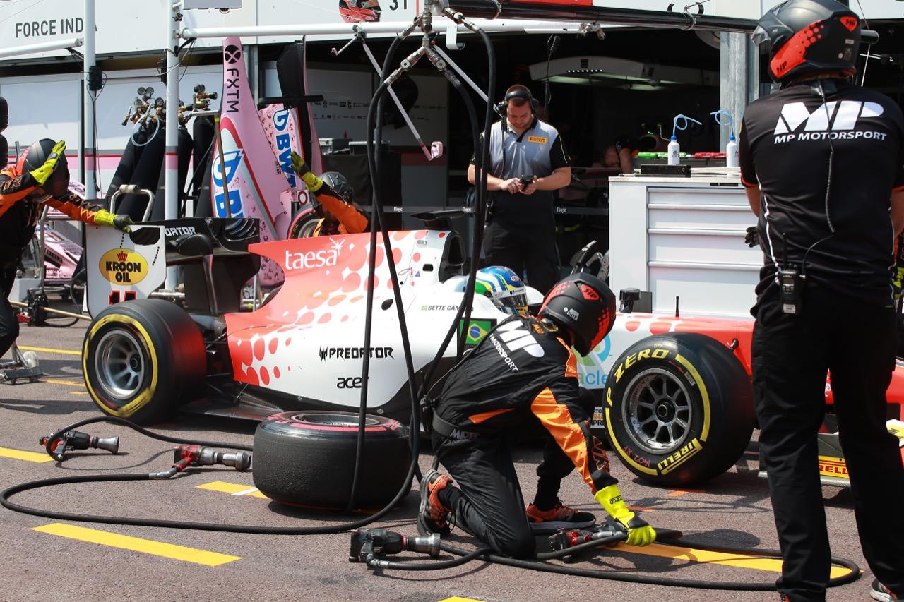 26.05.2017 - Race 1, Pit stop, Sérgio Sette Câmara (BRA) MP Motorsport