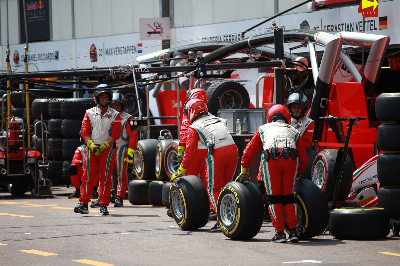 26.05.2017 - Race 1, Prema Racing mechanics