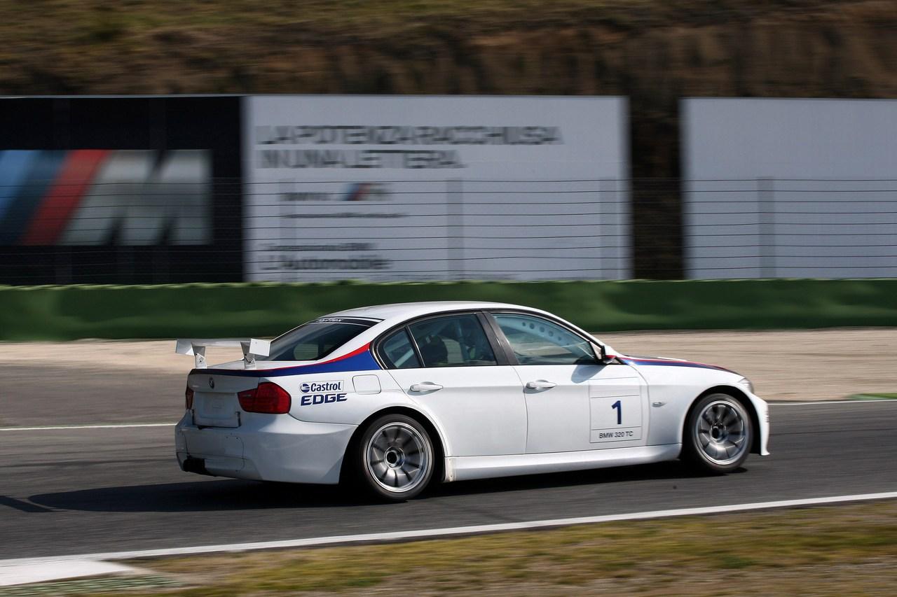 Michela Cerruti  Ita   Test Driver  Team Roal Motorsport