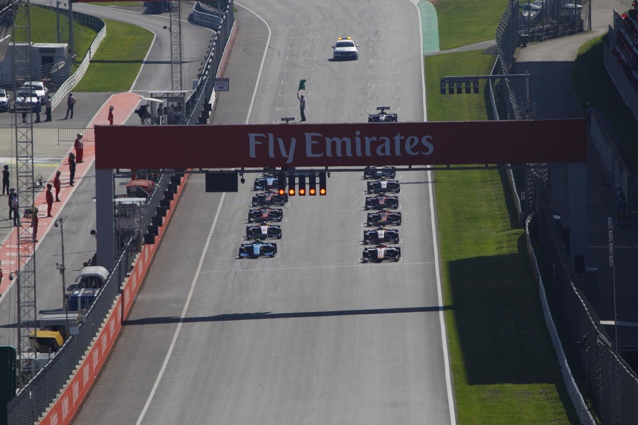 Race 2, Start
