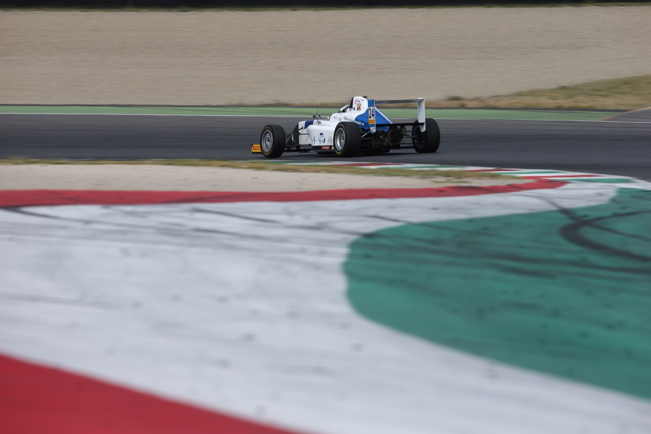 Andrea Dell'Accio (Henry Morrogh Racing D.S.,Tatuus F.4 T014 Abarth #24)