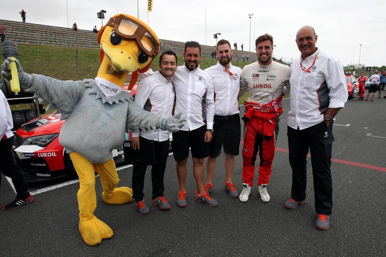 09.07.2017 - Race 1, Pepe Oriola (ESP) SEAT León TCR, Lukoil Craft-Bamboo Racing and Jaime Puig (ESP), SEAT Sport director