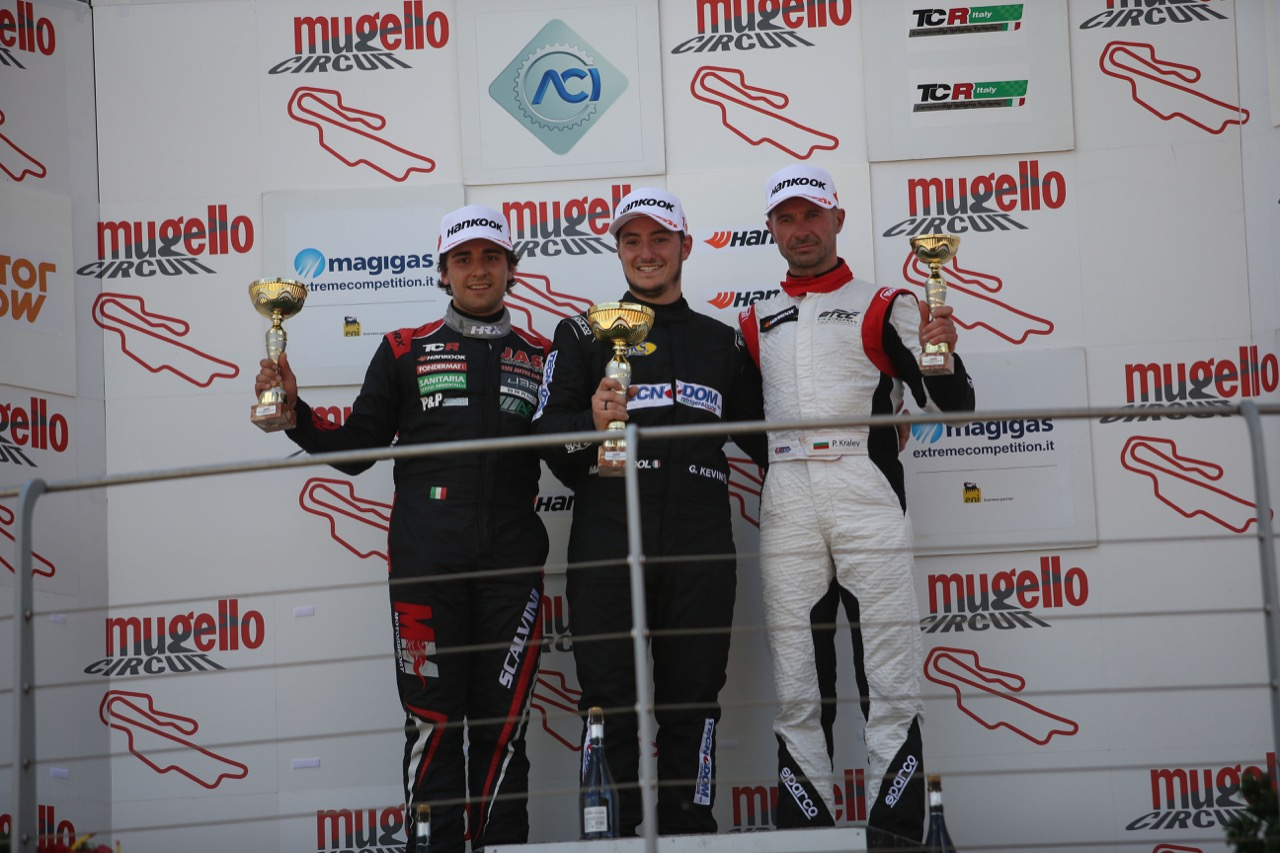Podio TCR gara 1, kevin Giacon (Opel Astra-TCR-TCR #15) , Eric Scalvini (MM Motorsport,Honda Civic TCR-TCR #9),  Plamen Kralev (Kraf Racing,Audi RS3 LMS-TCR #44)