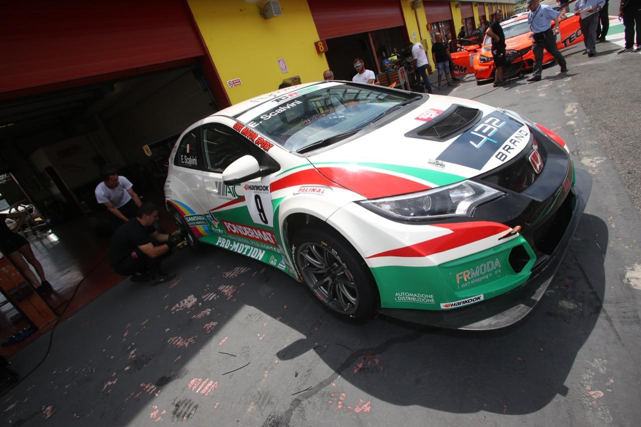 Eric Scalvini (MM Motorsport,Honda Civic TCR-TCR #9)