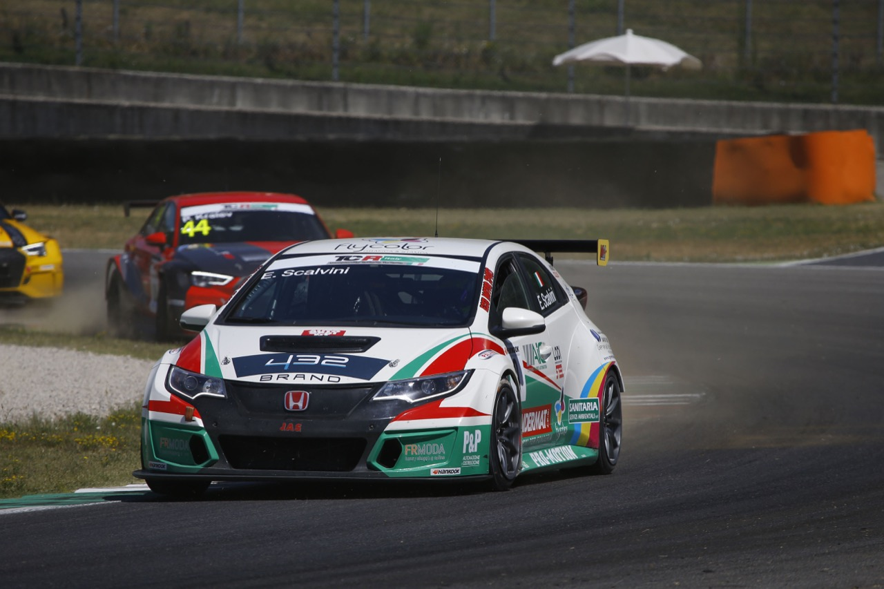 Eric Scalvini (MM Motorsport,Honda Civic TCR-TCR #9)