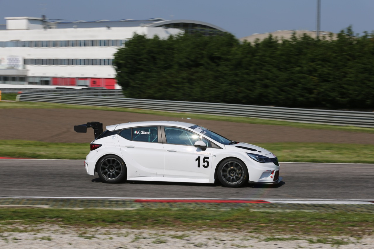Kevin Giacon (Opel Astra-TCR-TCR #15)