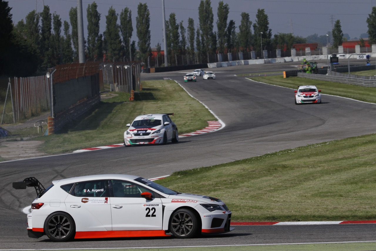Andrea Argenti (South Italy RT,Seat Leon TCR-TCR #22)