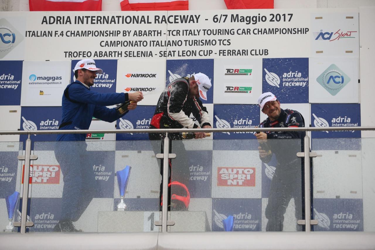 Gara podio TCT, Ricci-Bernazzani  (Arduini Corse,PeugeoT 308 MI16-TCT#104), Nicola Neri (kinetic Racing,Porsche Cayman GT4 CS #205), Accorsi-Arduini  (Arduini Corse,PeugeoT 308 MI16-TCT#103)