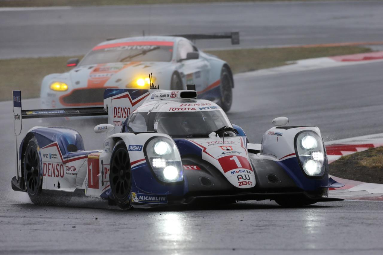 Anthony Davidson (GBR) / Sebastien Buemi (SUI) / Kazuki Nakajima (JPN) #01 Toyota Racing Toyota TS040 Hybrid. 11.10.2015.