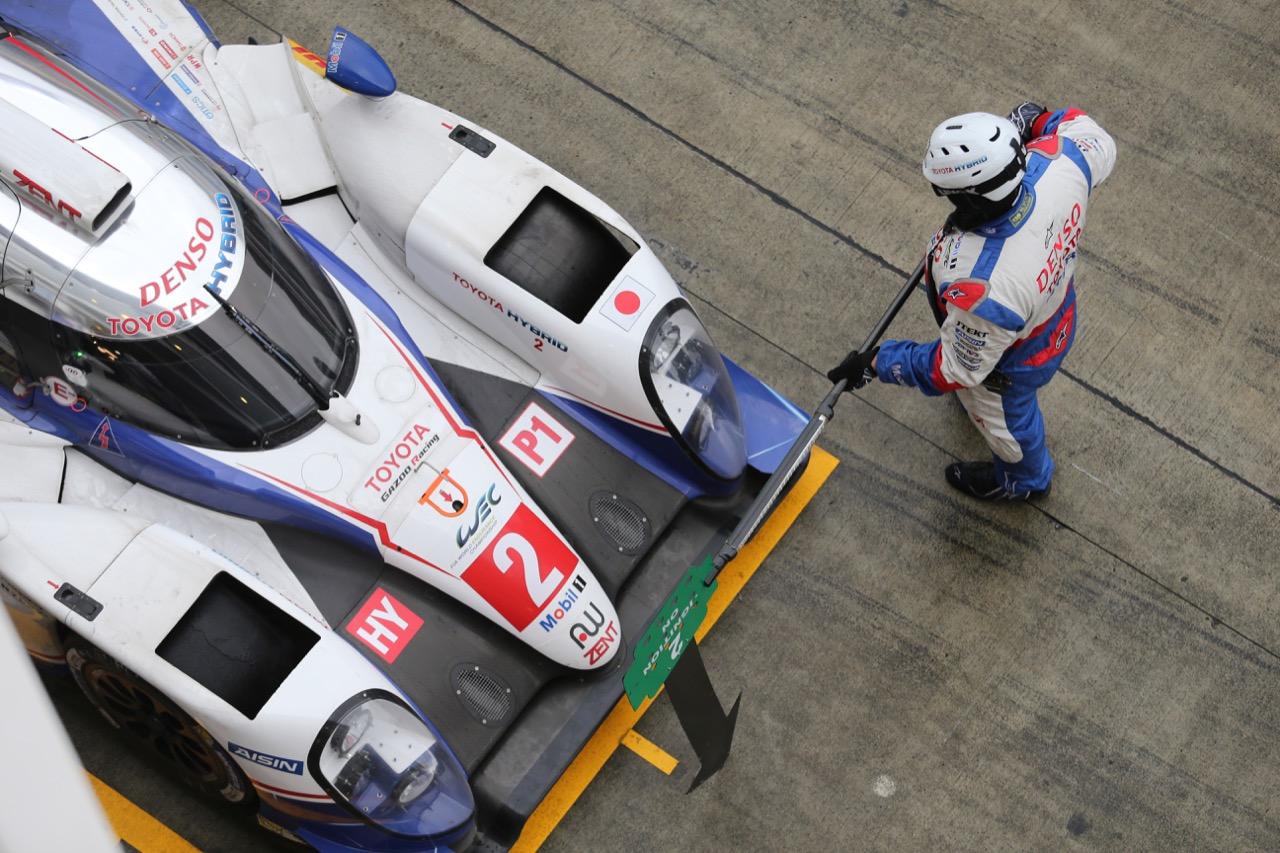 Alexander Wurz (AUT) / Stephane Sarrazin (FRA) / Mike Conway (GBR) #02 Toyota Racing Toyota TS040 Hybrid. 11.10.2015.