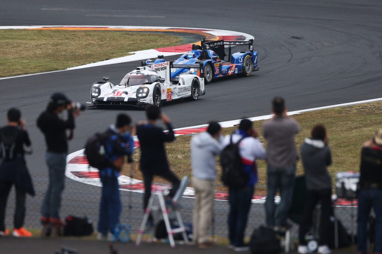Timo Bernhard (GER) / Mark Webber (AUS) / Brendon Hartley (NZL) #17 Porsche Team Porsche 919 Hybrid. 10.10.2015.