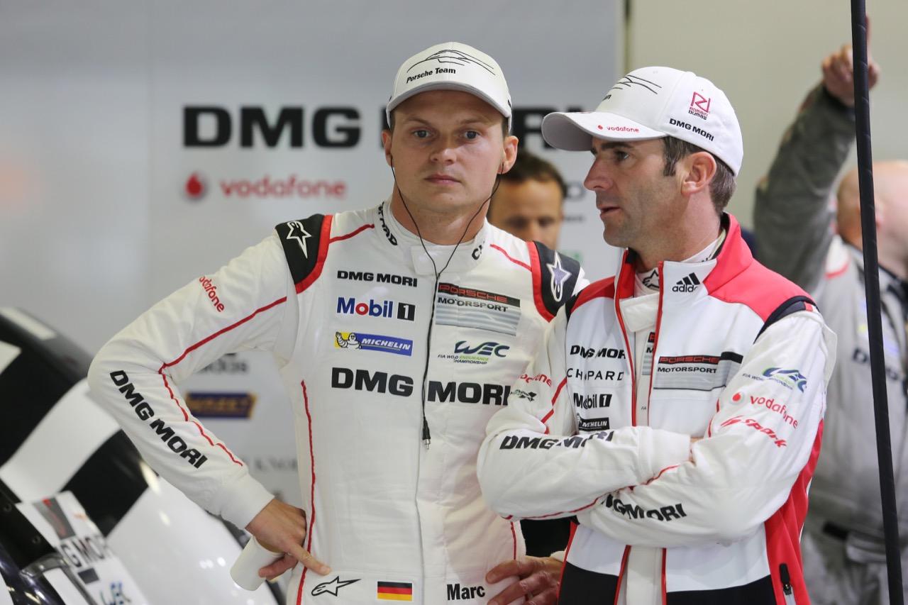 (L to R): Romain Dumas (FRA) with Marc Lieb (GER) #18 Porsche Team Porsche 919 Hybrid. 10.10.2015.