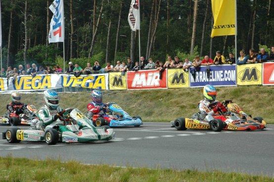 Karting: Grandi bagarre in gara nel weekend di Genk