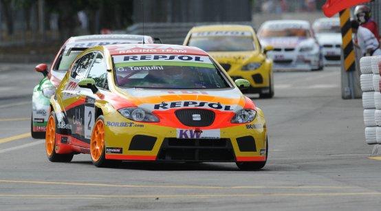 La SEAT vince a Porto e comanda il WTCC