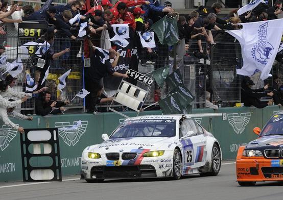 Nürburgring: Bmw M3 GT2 si aggiudica la 24 Ore. L'Audi R8 LMS prima tra le GT3