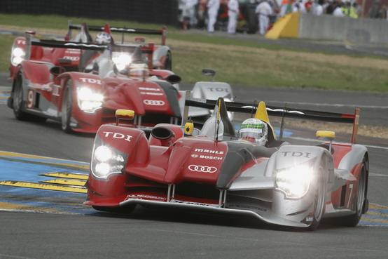 Le Mans: grande trionfo delle tre Audi R15 TDI