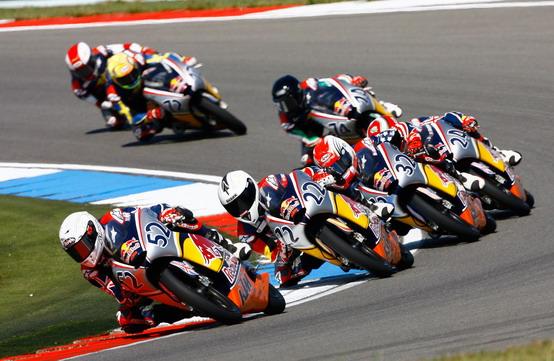 Moto GP Rookies Cup: Calia e Cappella sul podio ad Assen. Vittoria per Gagne e Ruiz