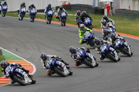 Yamaha R Series Cup: Russo, Avanzi e Paoloni testa a testa a Misano