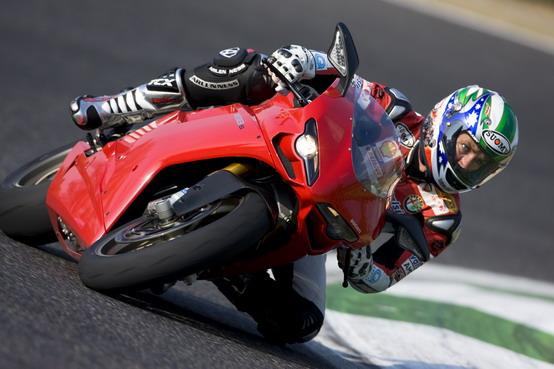 Ducati Riding Experience e Ducati Desmo Challenge 2011: ci sarà anche Troy Bayliss