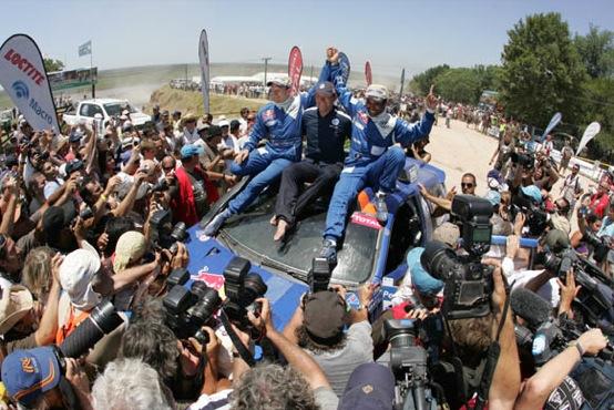 Dakar 2011: ecco i verdetti. Coma vince nelle moto. Prima affermazione per Al Attiyah