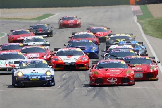 International GT Open: primo weekend color Rosso Ferrari