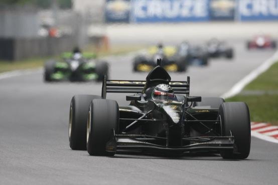 Auto GP: Venturini vince al debutto, trionfo per Fabio Onidi