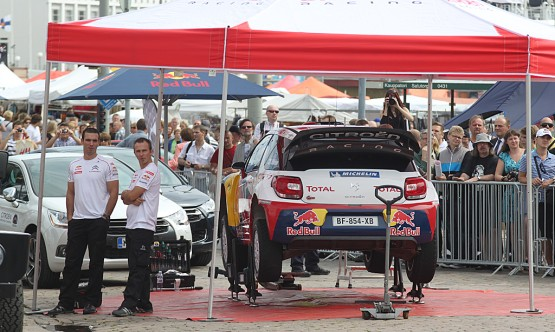 WRC – Due DS3 tra le vie di Helsinki