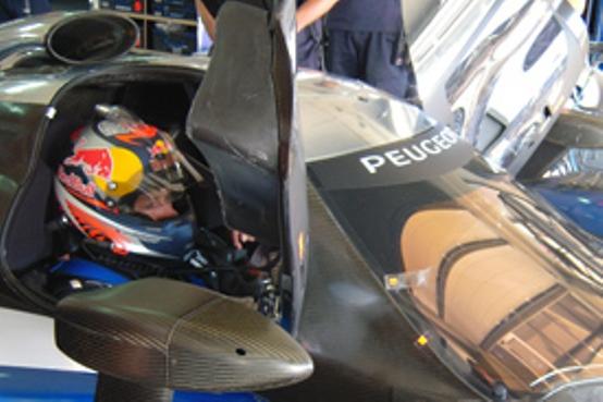 Kimi Räikkönen testa la Peugeot 908