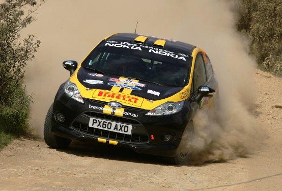 Pirelli equipaggia lo sport al Motor Show 2011