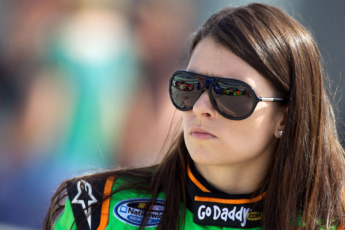 Nascar Nationwide Series – Prima pole per Danica Patrick