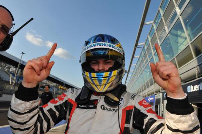 Auto GP World Series – Adrian Quaife-Hobbs, gara 1 è sua