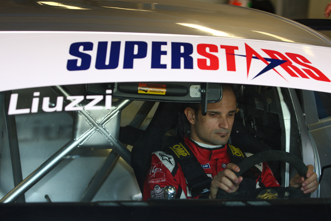 Superstars Series – Liuzzi scalda i motori a Monza