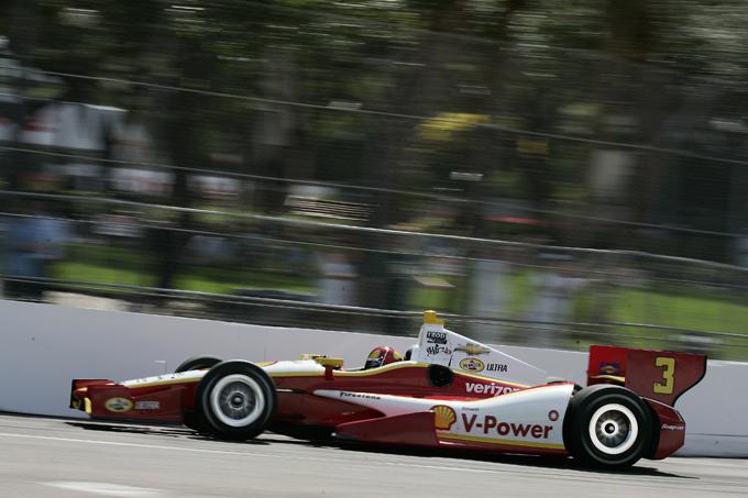 Indycar – Vittoria di Castroneves nel ricordo di Wheldon