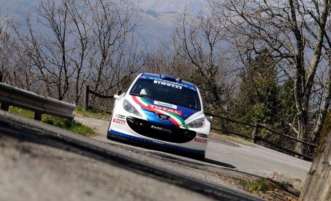 Andreucci – Andreussi con Peugeot 207 S2000 in testa al Rally Il Ciocco