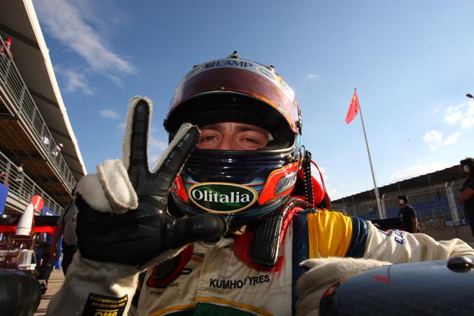 Auto GP World Series – Gara 1, Campana vince il duello con Quaife-Hobbs