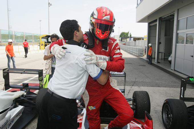 F3 – Pau si tinge d'azzurro con Raffaele Marciello