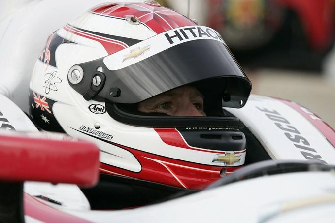 Indy 500 – Hinchcliffe si arrende a Briscoe