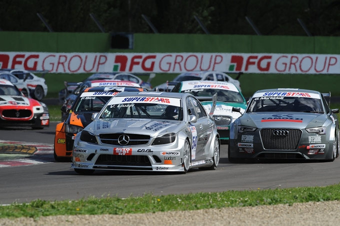 La Superstars scalda i motori a Donington Park