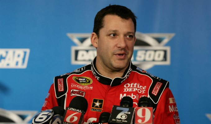 Nascar Sprint Cup Series – Tony Stewart vince in rimonta