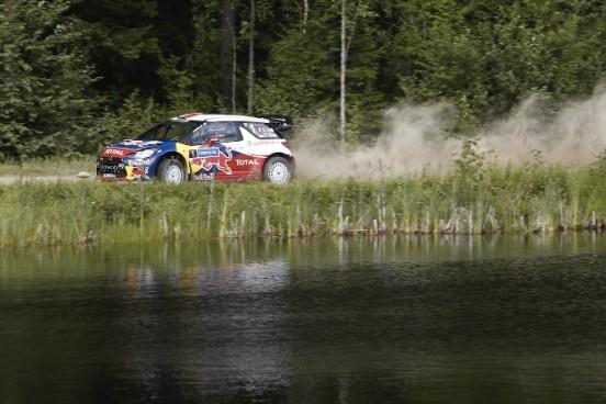 WRC – Rally di Finlandia, l'Extraterrestre sempre in testa