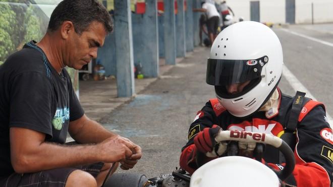 WRC – Oliveira si allena col kart